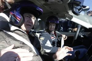 Vettel Visits Infiniti HQ in the U.S.