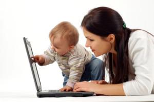 mama-laptop-bebe
