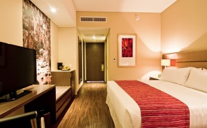 HI Bucaramanga guest room