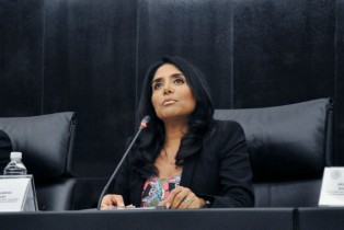 Alejandra Barrales suena para integrarse al GDF
