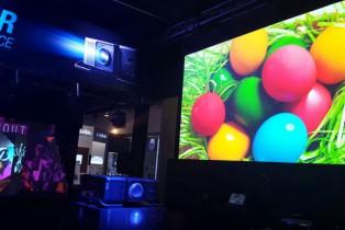 Nueva tecnología de videoproyección láser para exteriores; Epson