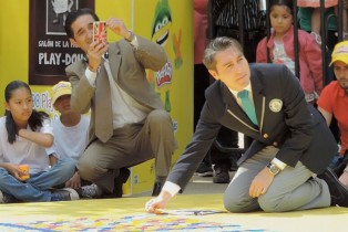 Play-Doh rompe un récord GUINNESS WORLD RECORDS y dona latas a Fondo Unido México