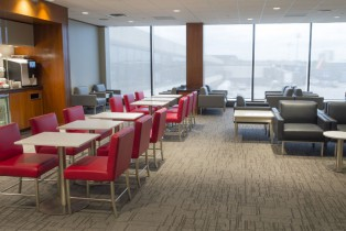 Air Canada inaugura su más reciente Maple Leaf Lounge