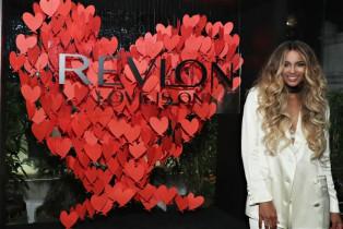 Revlon celebra la llegada de Ciara como Embajadora Global