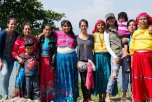 Mujeres mexicanas y Donadora unen fuerzas para construir hogares a artesanas jaliscienses