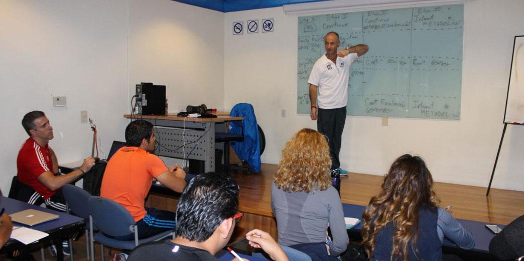 Grupo Martí y el Profesor Mario Di Santo presentan Adapted Training Program be559264b6a